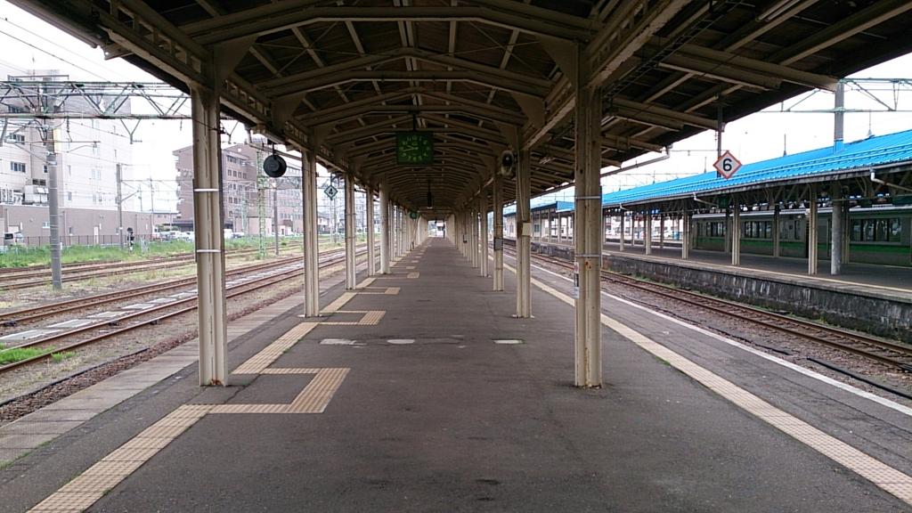 直江津駅の長いホーム