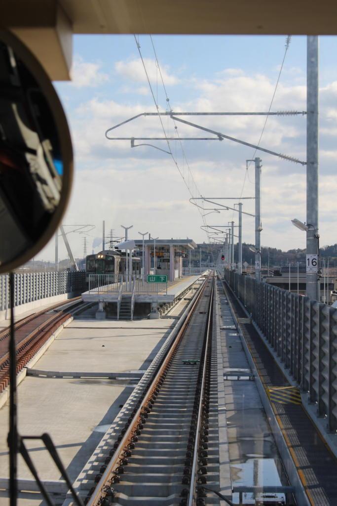 山下駅のホーム