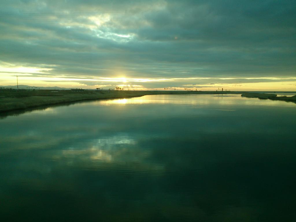仙石線からみた松島湾の朝焼け