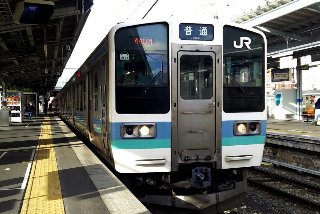 中央本線の主力車両211系電車