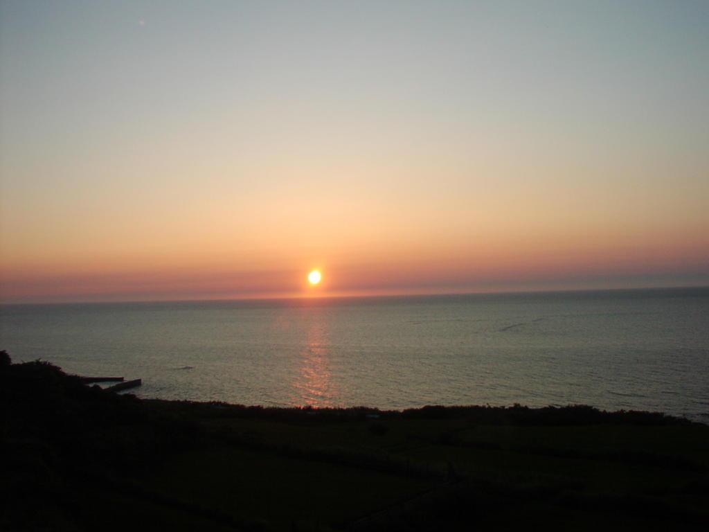 日本海の絶景区間の夕暮れ!(2006年8月 リゾートしらかみ6号)
