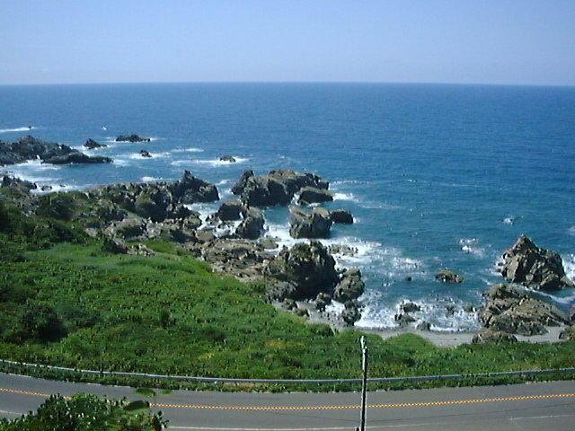 五能線から眺められる日本海の車窓 絶景です(1999年8月 リゾートしらかみより)
