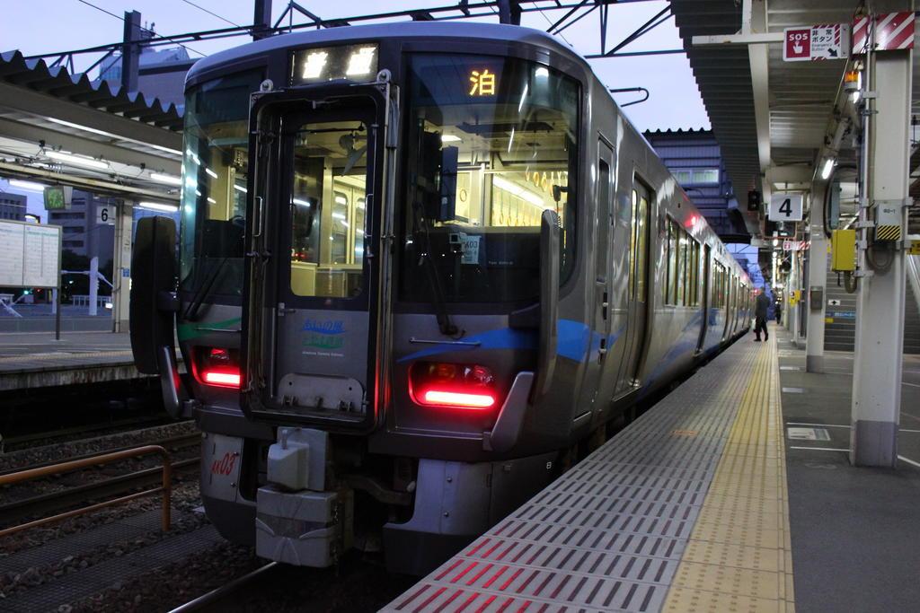 あいの風とやま鉄道は富山~高岡の通過利用のみ乗車可能