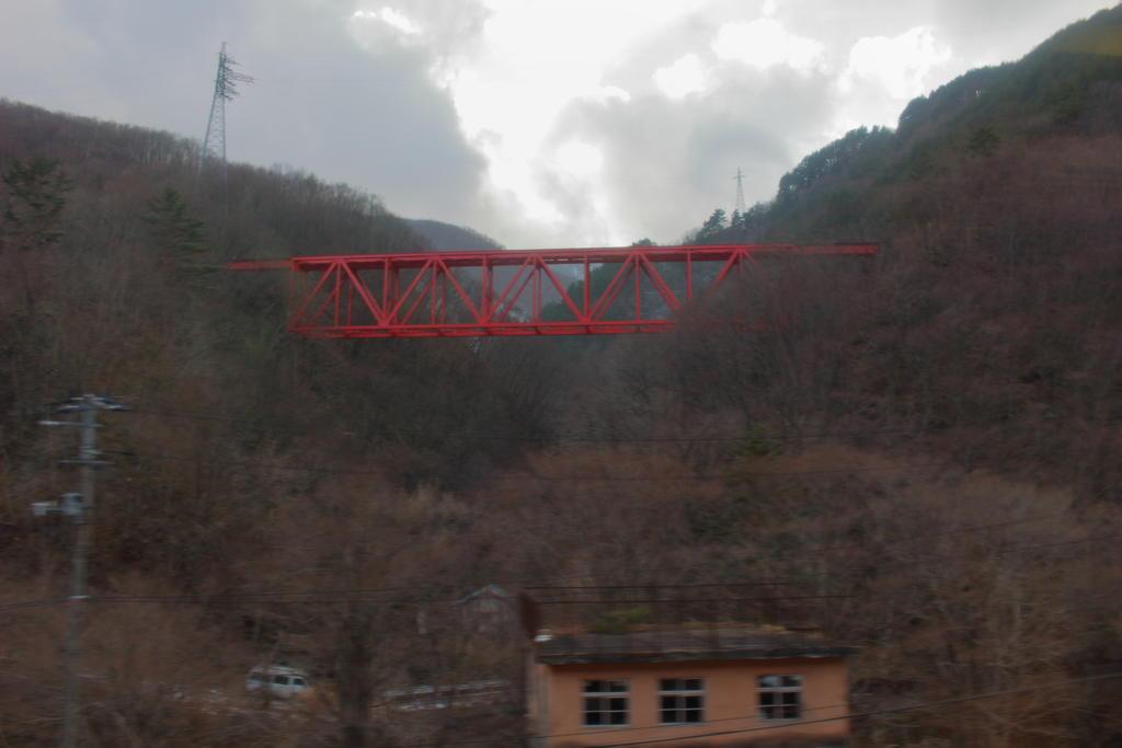 オメガループを超えた先にある鬼ヶ沢橋梁を見上げる このあと通ります!