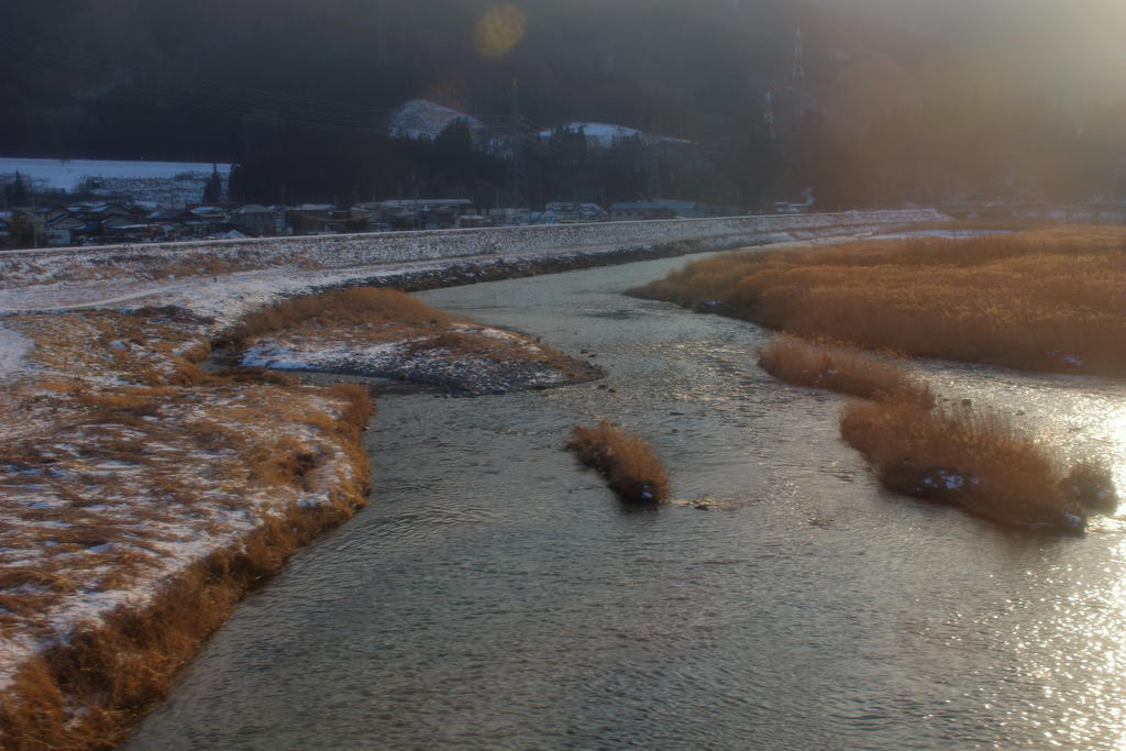 遠野駅を出るとすぐに猿ヶ石川を渡ります