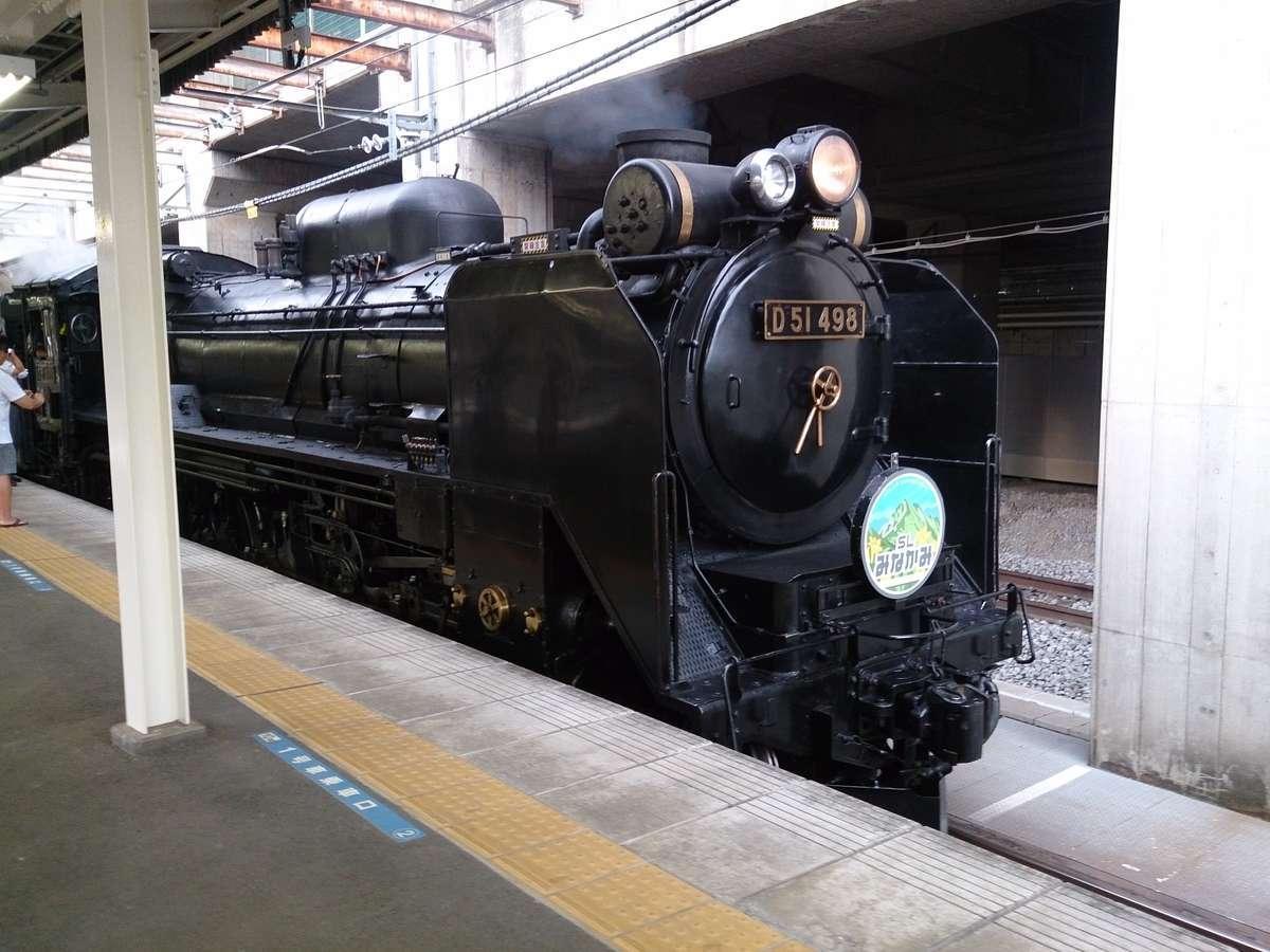 もう一機の蒸気機関車「D51 498」(高崎駅到着後)
