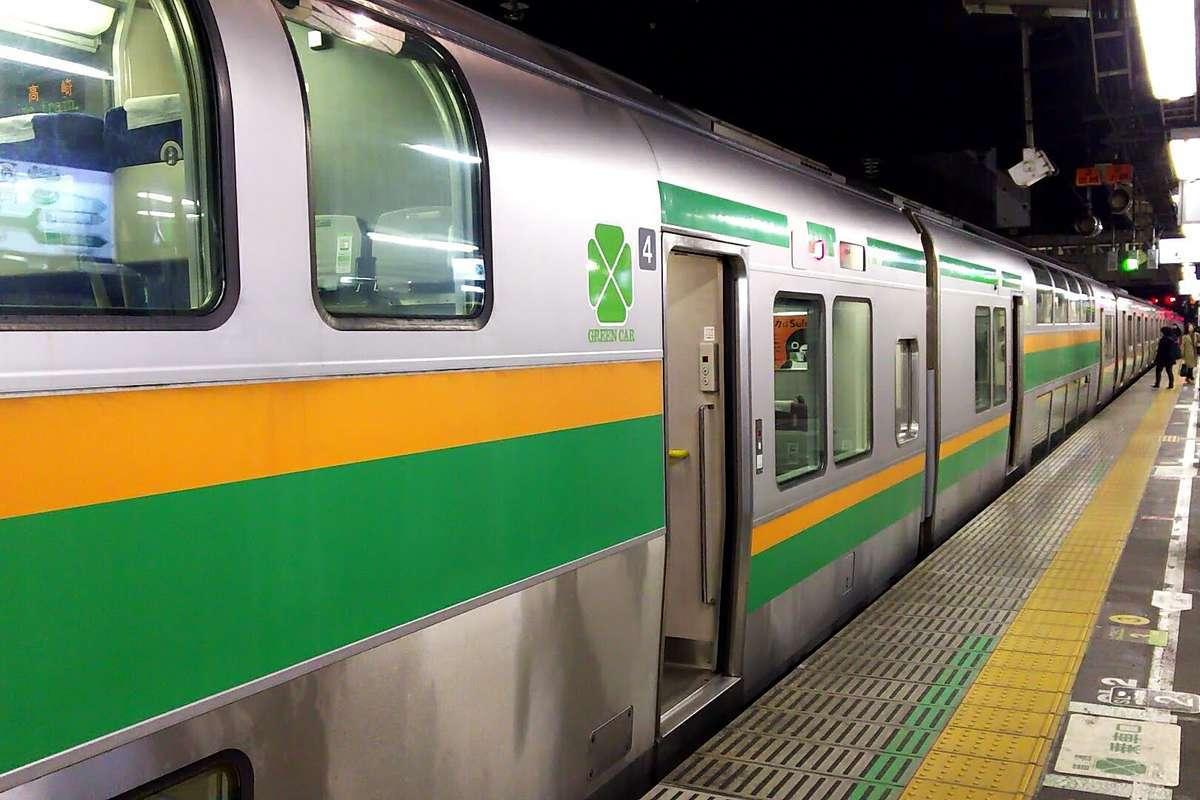2階建ての普通列車グリーン車
