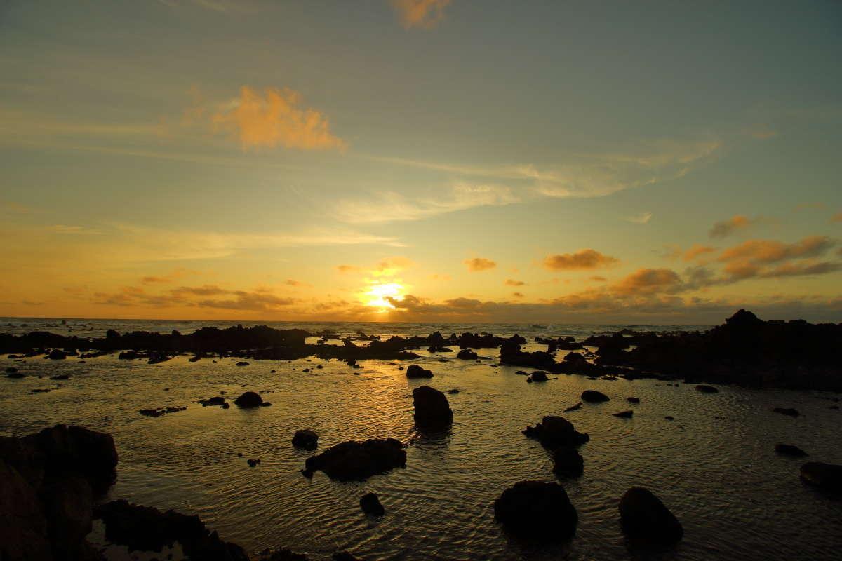 不老不死温泉敷地内から眺める夕陽は最高!
