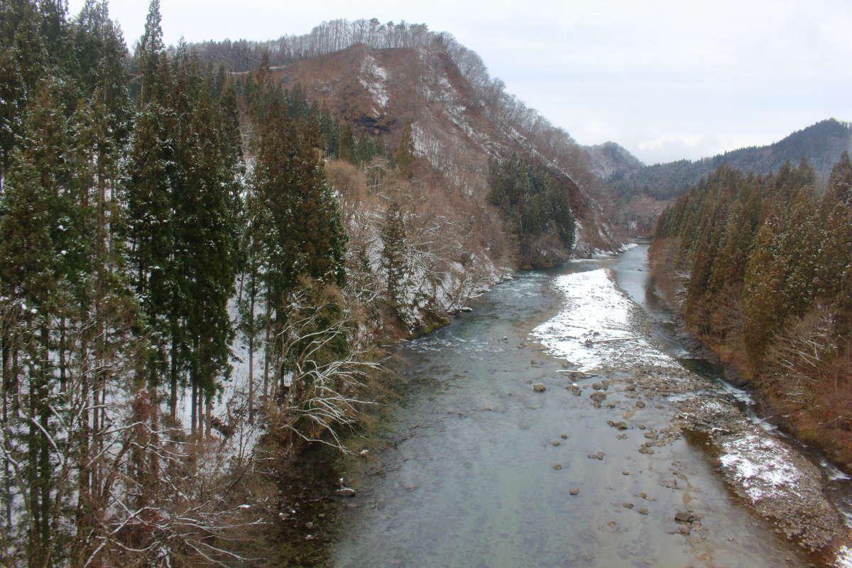 秋田内陸線の有名撮影スポット「大又川橋梁」からの車窓