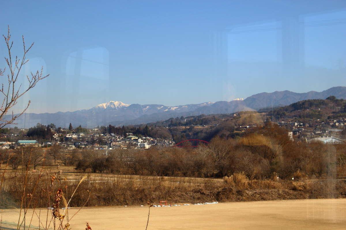 天竜峡から北側は伊那谷の開けた車窓へ
