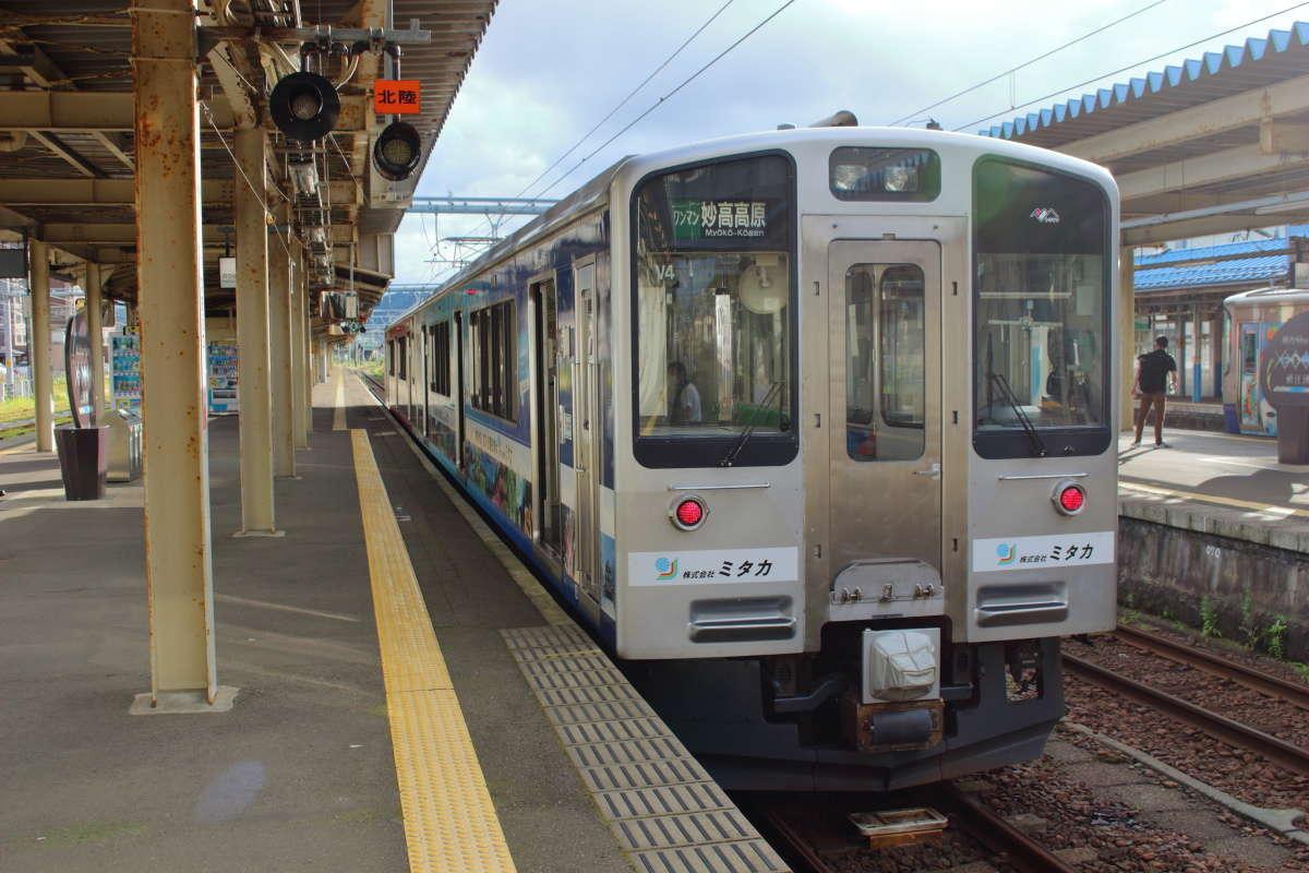 えちごトキめき鉄道「妙高はねうまライン」はET127形電車が走ります