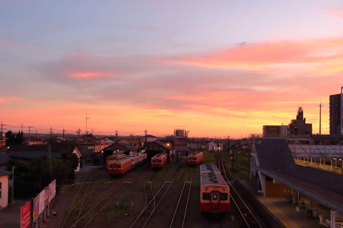 跨線橋から五井機関区を一望、夕焼けがきれいでした