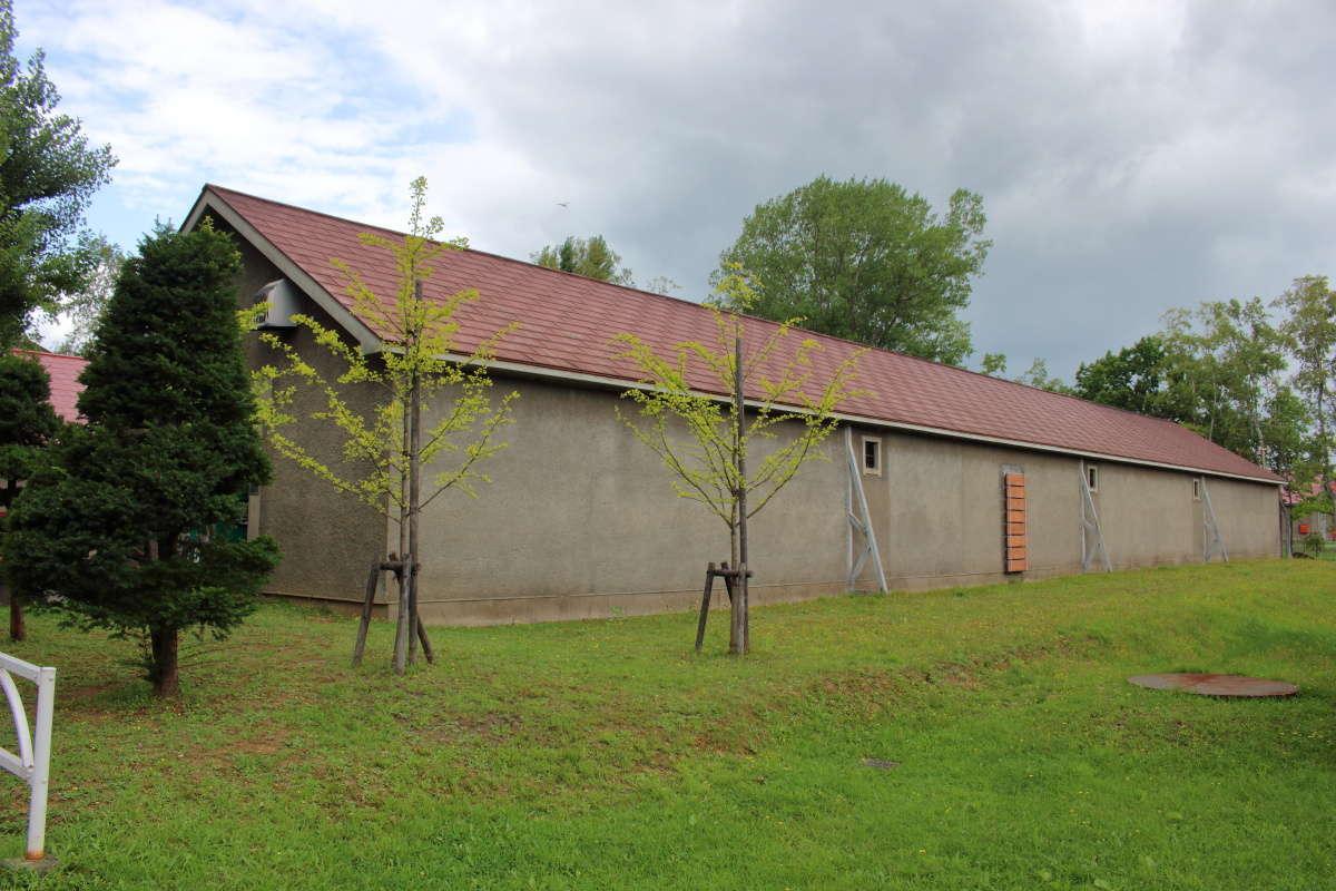 細長い貯蔵庫、余市蒸溜所には26もの貯蔵庫があります