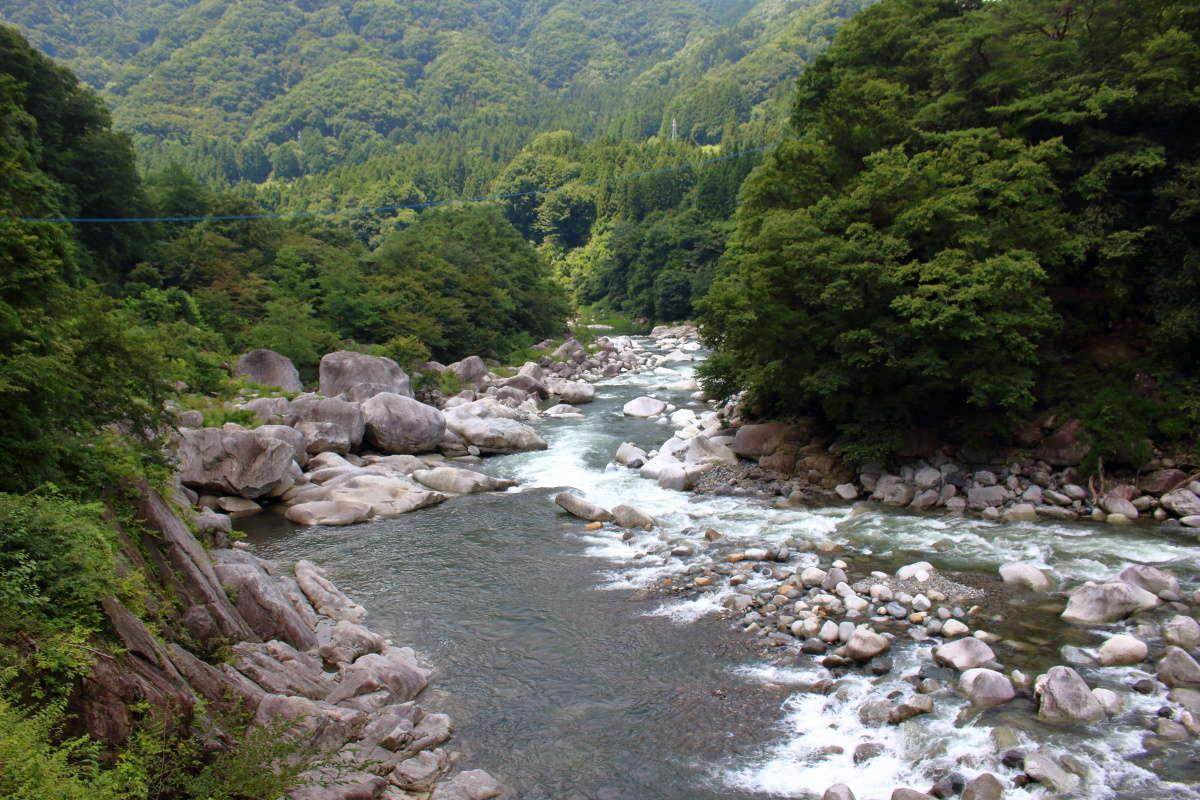 渡良瀬川の渓谷が美しい「わたらせ渓谷鐵道」