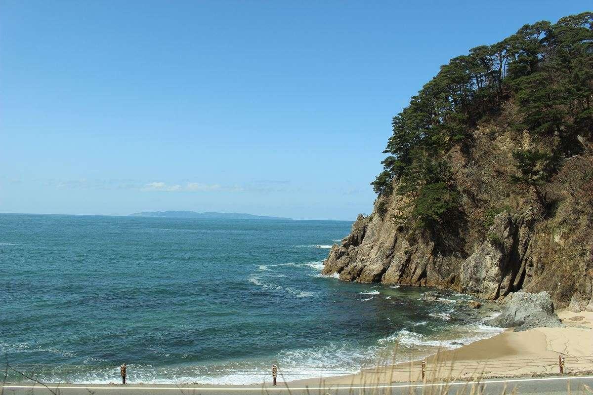 「海里」の1号車A席は日本海の絶景を眺められる特等席!