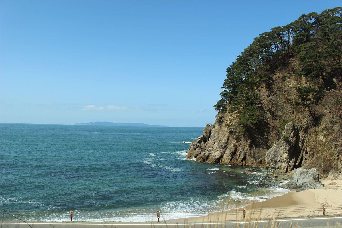 羽越本線から眺める日本海の車窓