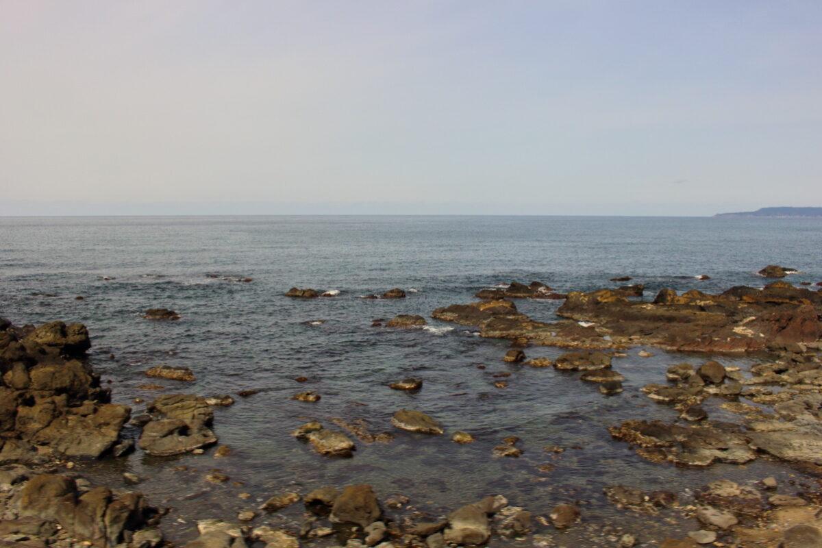 五能線「リゾートしらかみ」から眺める日本海の絶景