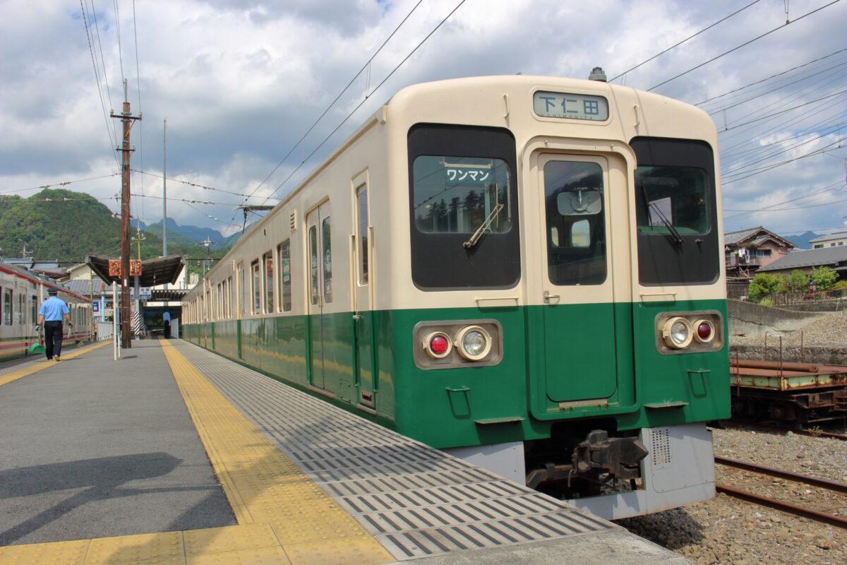 上信電鉄上信線終点の下仁田駅に到着