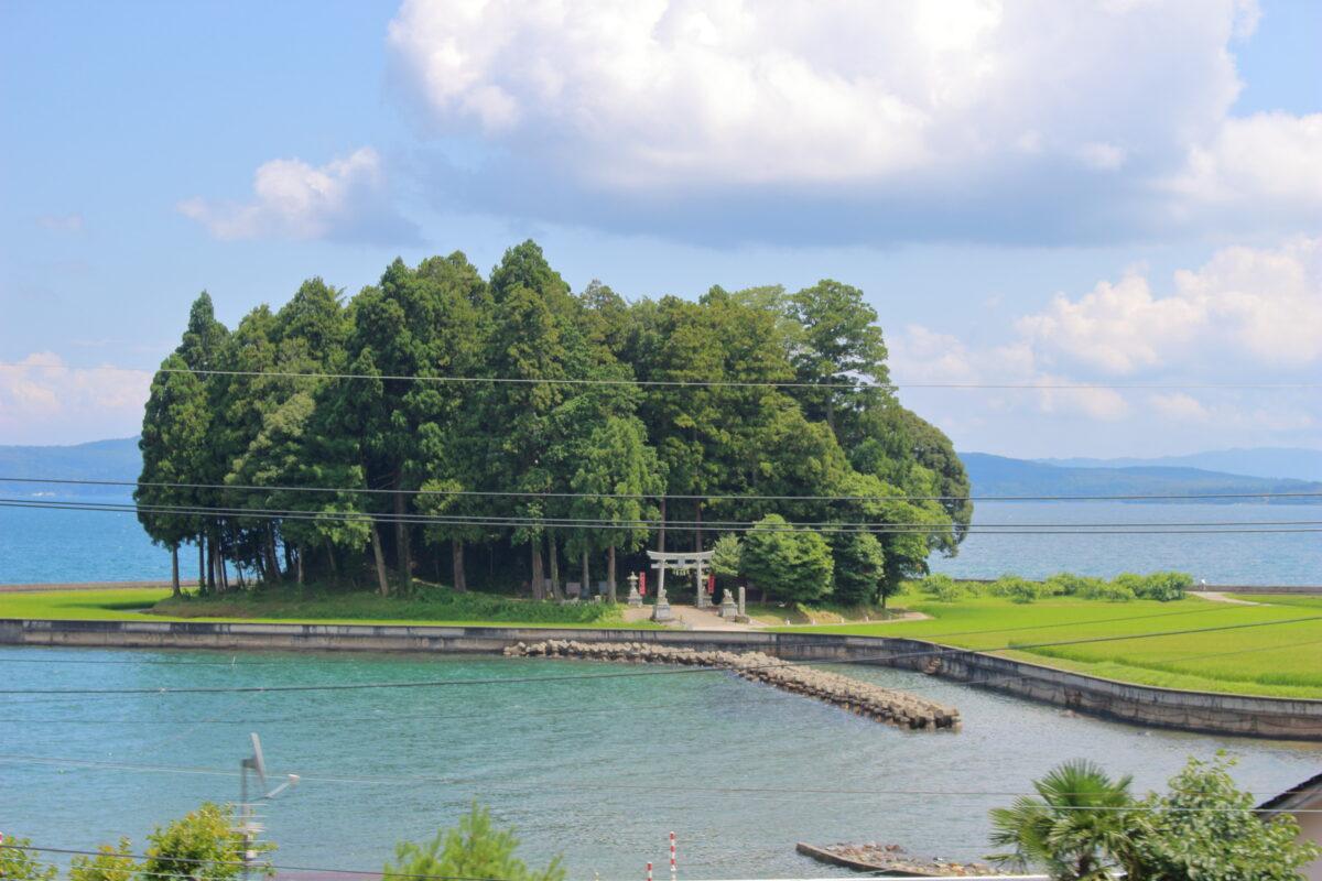 能登鹿島駅近くにある鹿島神社